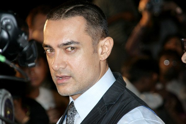 Aamir to do a stage performance after a decade