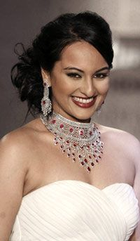 Sonakshi To Replace Madhoo In Phool Aur Kaante 2 With Ajay Seattle